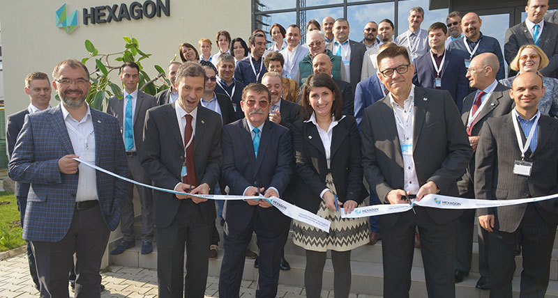 Official-Ribbon-Cutting-Ceremony-for-New-Hexagon-Manufacturing-Intelligence-Facility-in-Romania