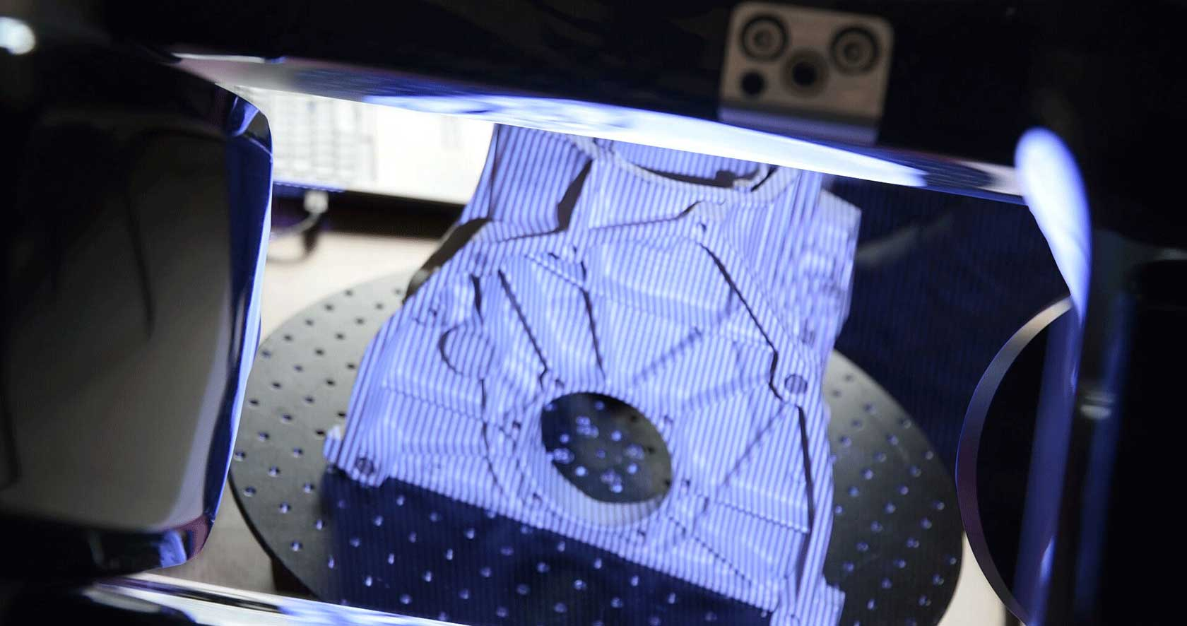 A cast part is scanned using the structured light scanner StereoScan neo