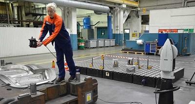 Volvo in Olofstrom uses a Leica Absolute Tracker with the LAS-XL laser scanner
